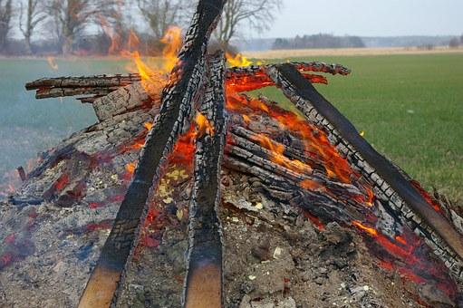 bonfire-721345__340